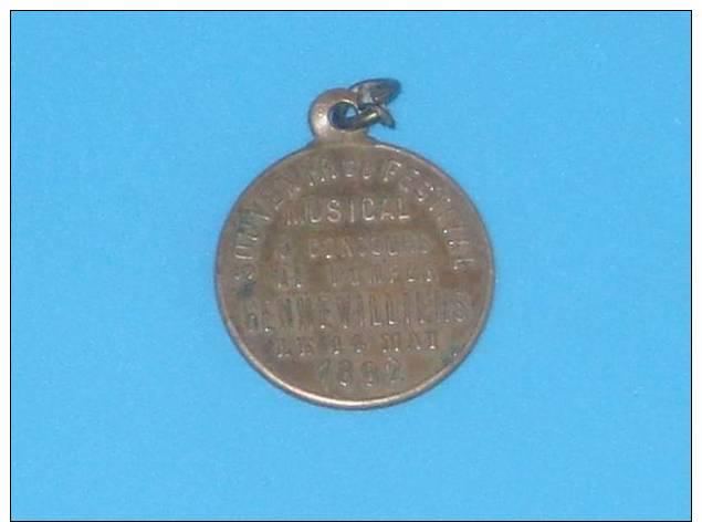 RARE Medaille POMPIERS Souvenir Du Festival Musical Concours De Pompes GENNEVILIERS 14 Mai 1882 - Pompiers