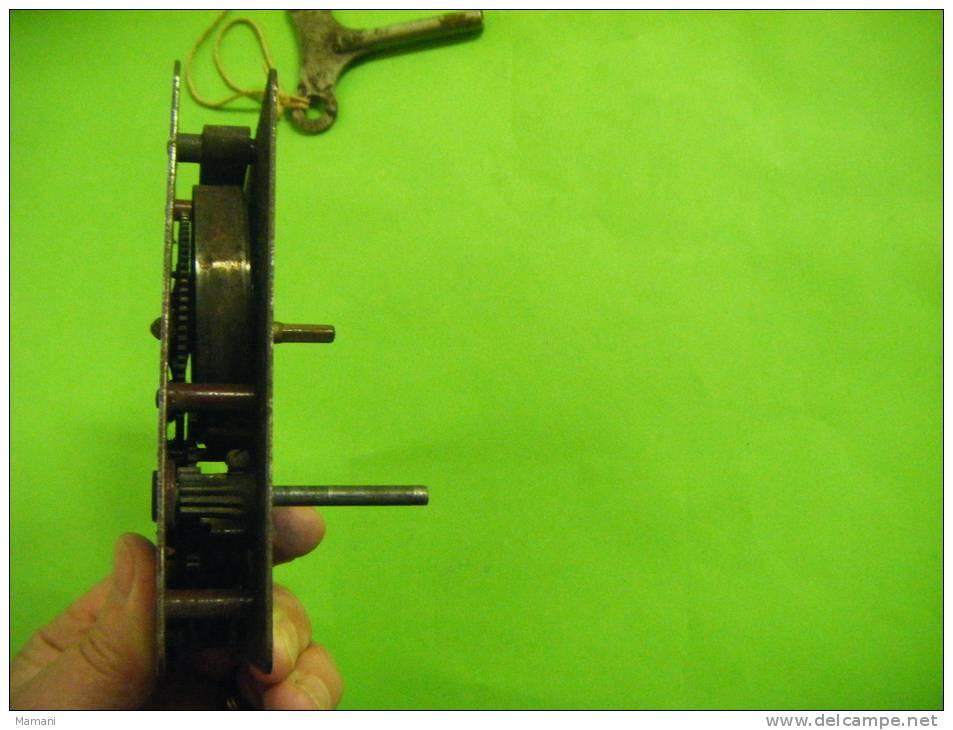 Piece De Meccano Avec Sa Cle +3 Roues A Boudin N°20 B  Diametre 19m/m-.+1 Roue - Meccano