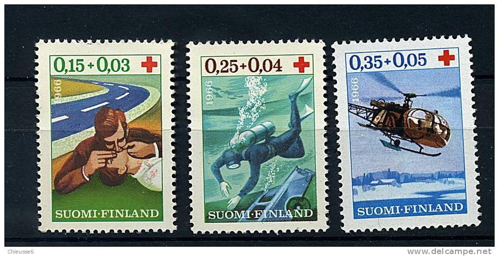 Finlande ** N° 580 à 582 - Interventions De La Croix-Rouge - Finlandia