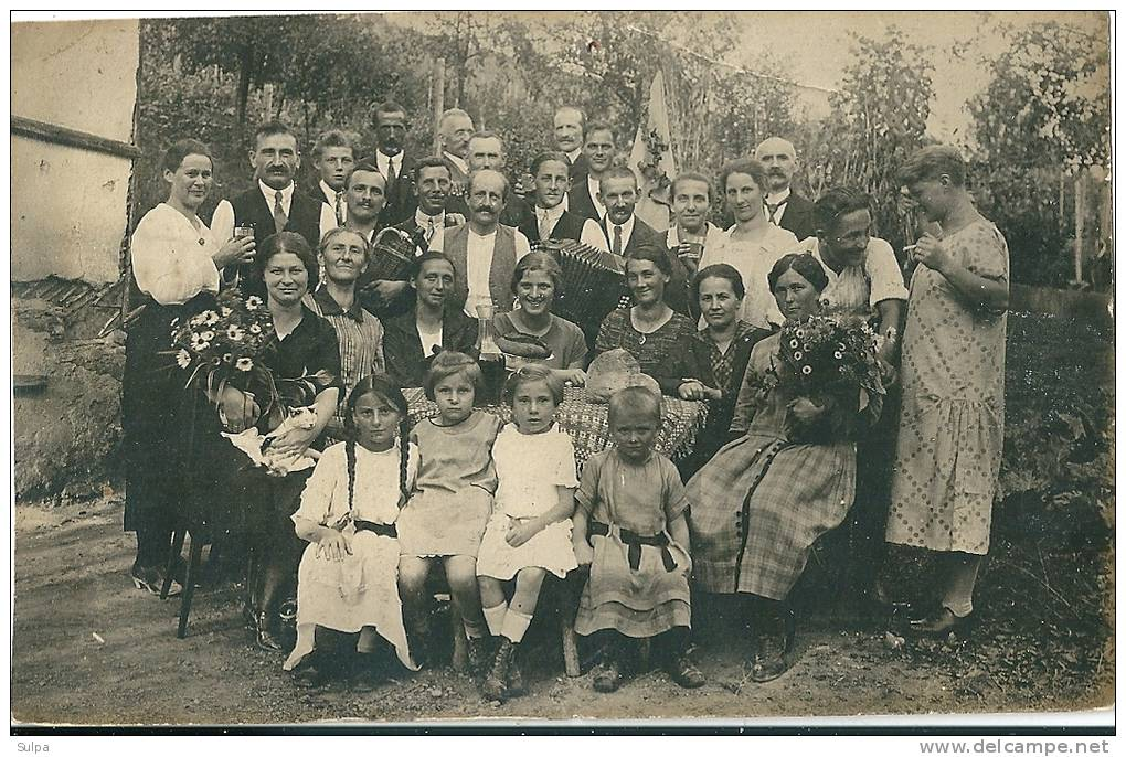 A Situer : Photo  Fête De Famille - A Identifier