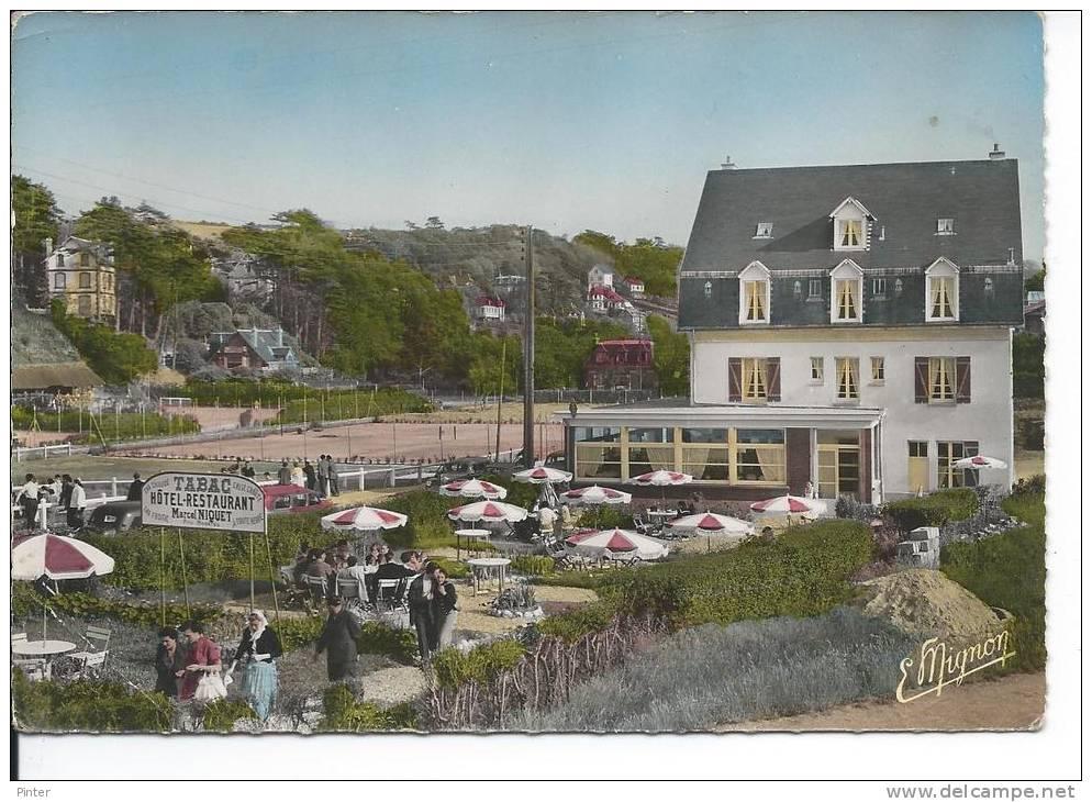 VEULETTES SUR MER - Hôtel Des Bains - Sa Terrasse - France