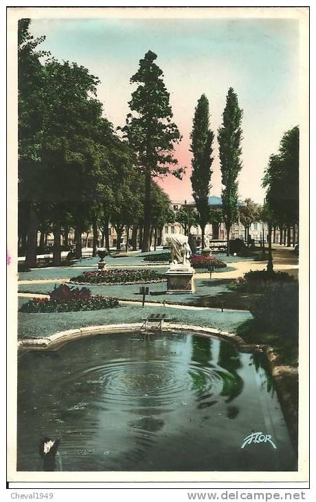 25025 . Niort  Les Jardins De La Breche - Niort