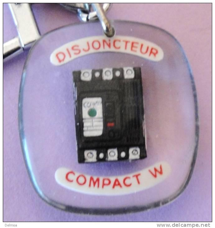 Porte-clefs N01108 BOURBON Disjoncteur - Porte-clefs