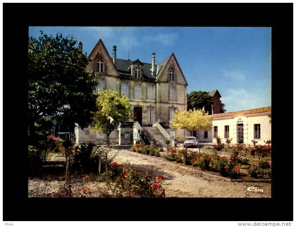 33 - SAINT-CIERS-SUR-GIRONDE - L'Hôtel De Ville Et Les Jardins - France