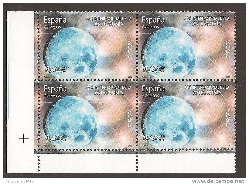 """ESPAÑA / SPAIN / SPANIEN - EUROPA 2009 - TEMATICA \""""ASTRONOMIA\"""" - BLOQUE De 4  - DENTADOS  ( PERFORATED) - Europa-CEPT"""