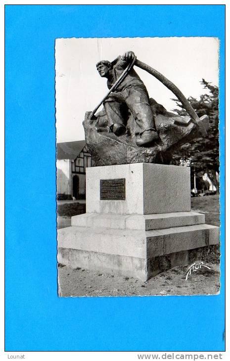 44 Le CROISIC : Monument Hervé Rielle N°8492 - Le Croisic