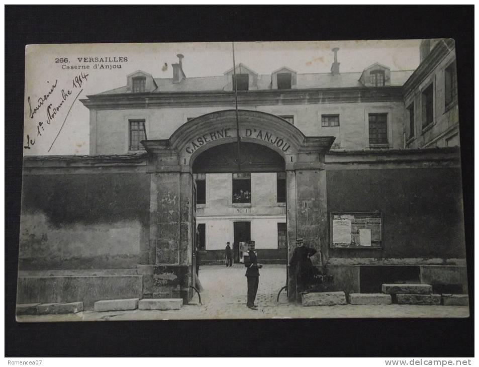 VERSAILLES (Yvelines) - Caserne D'Anjou - Animée - Correspondance Du 10 Novembre 1914 - Versailles