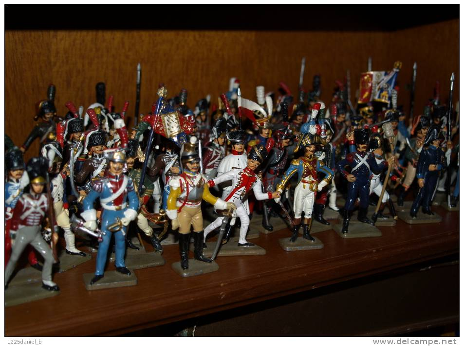 lot 76 soldats de plomb starlux soldats de napoleon 4 chevaux 4 cavaliers soit 84 figurines. Black Bedroom Furniture Sets. Home Design Ideas