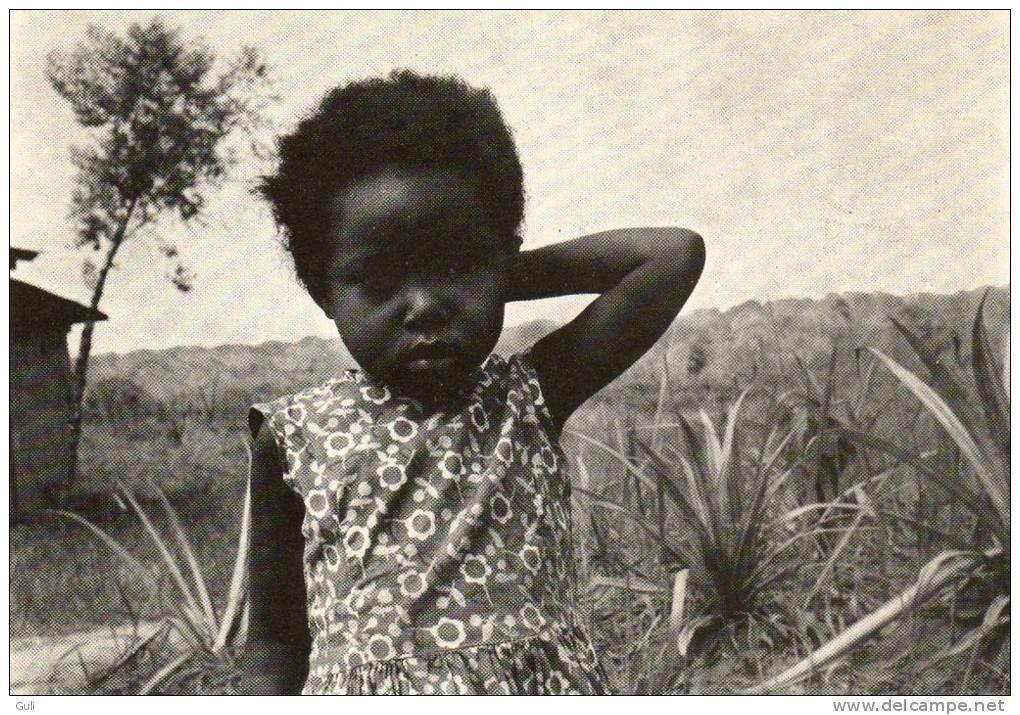 afrique cameroun mission de nyamanga dioc se de bafia religion jeune fille enfant prix. Black Bedroom Furniture Sets. Home Design Ideas