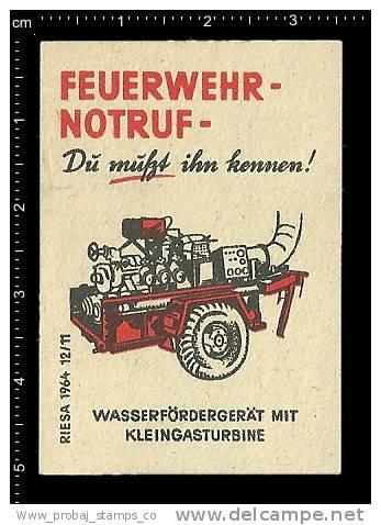 Poster Stamp German Matchbox Label-fire Engine Firefighting Fireman Fire Truck Firefighter Feuerwe Hrauto,Feuerwehrmann - Boites D'allumettes - Etiquettes