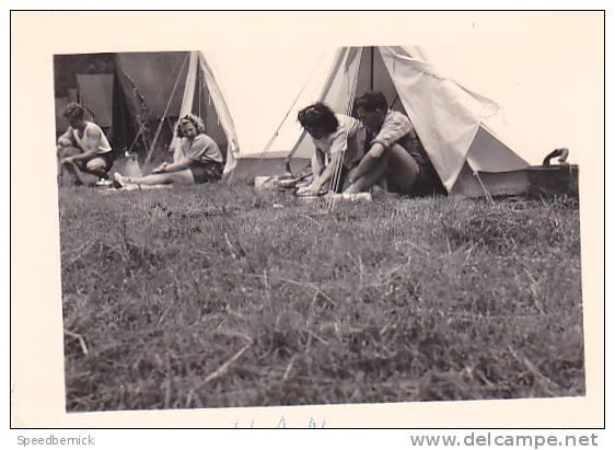 21003- 3 Photos Originales  8x5cm Belgique Han -amoureux Campeur Randonnée Vers 1950 - Camping Velo - Lieux