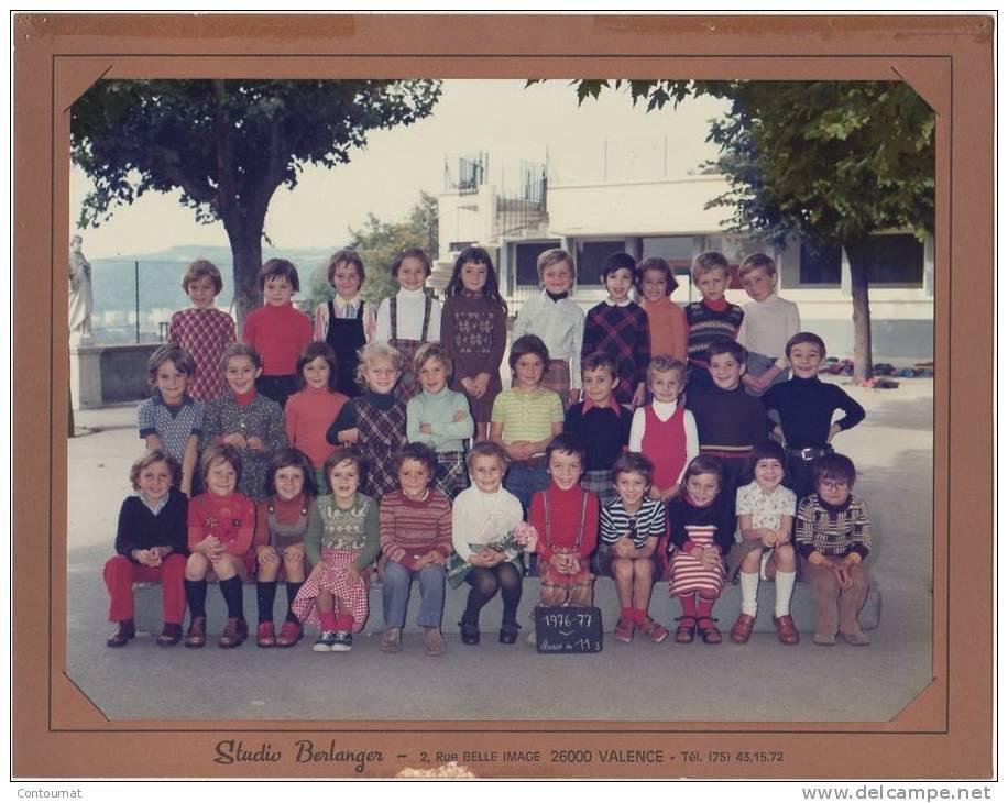 PHOTO DE CLASSE  38 VIENNE ECOLE SAINT CHARLES  Classe De CP 1976- 1977 - B2 - Photographs