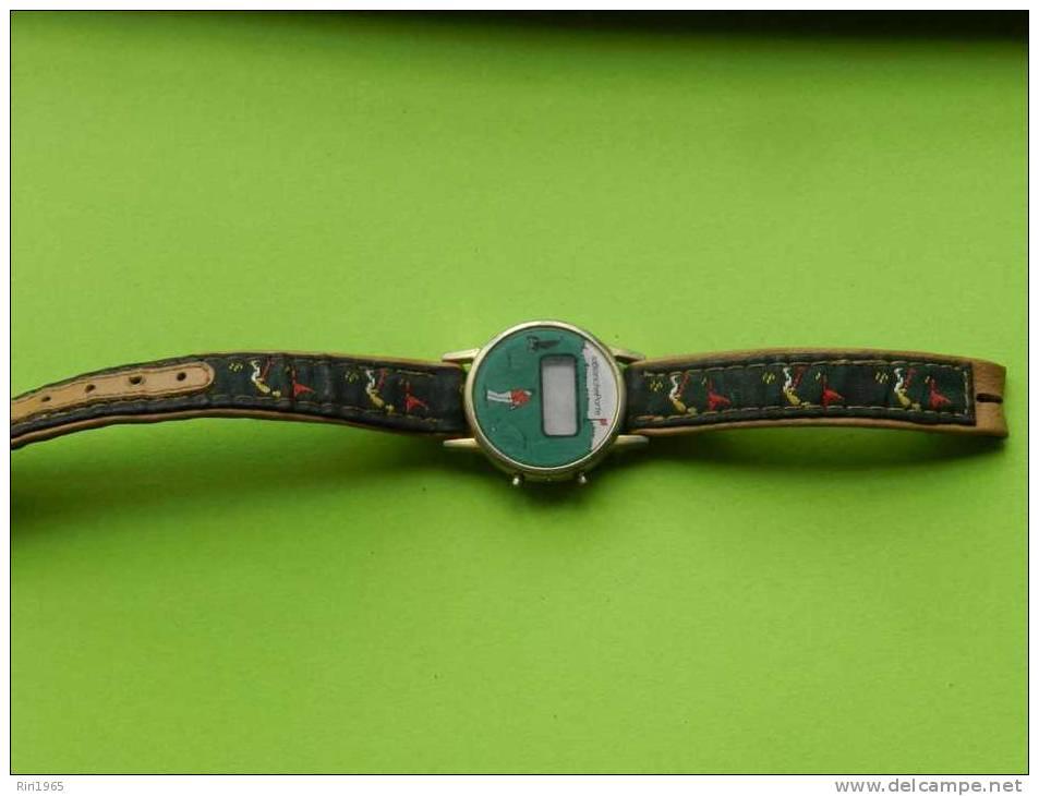 Montre Bracelet Femme -blanche Porte-(quartz ,pile Hs)motif Golf - Montres Publicitaires