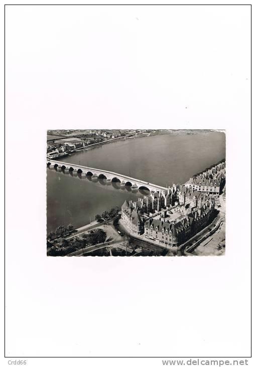 Cpsm Gien Vue Aerienne L'ilot 14 Reconstruit Et Le Pont Sur La Loire - Gien