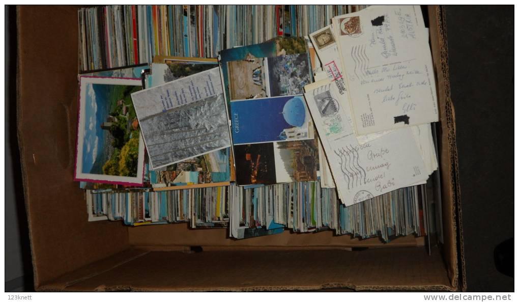 Bunt Gemischt - Ca. 2000 Karten In Bananenschachtel - 70´er 80´er Und 90´er Jahre - Cartes Postales