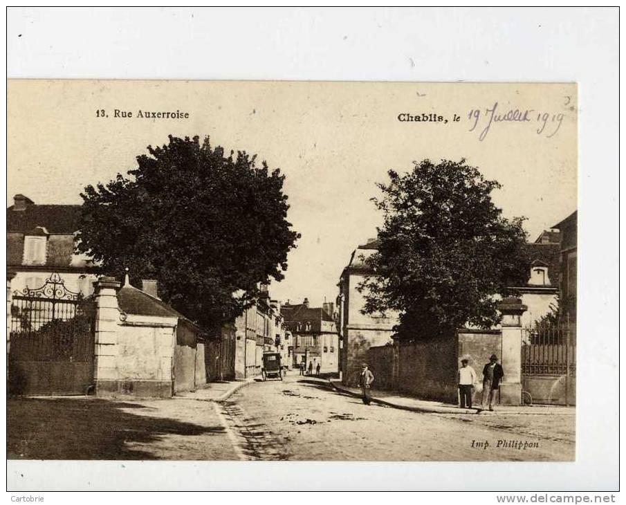 89 -CHABLIS- Rue Auxerroise-animée - Chablis