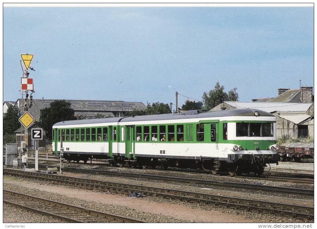 CF 46 Chemins De Fer, Train, Locomotive, Autorail EAD X 4592 Quite La Gare De Dol-de-Bretagne En Juillet 1999 - France