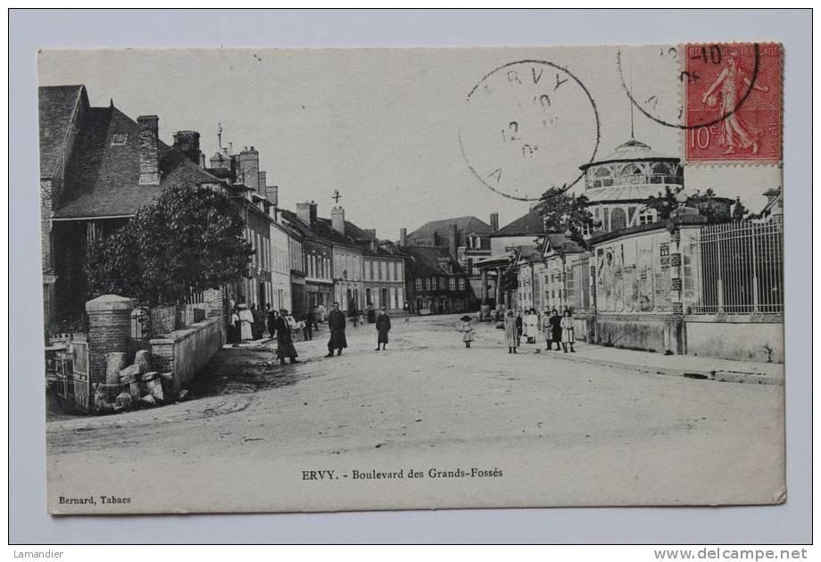 CPA- 10 - ERVY - Boulevard Des Grands Fossés - Ervy-le-Chatel
