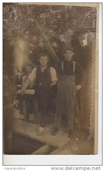 HOMBRES TRABAJANDO EN UNA CONSTRUCCION  CIRCA DE 1900   OHL - Artisanat