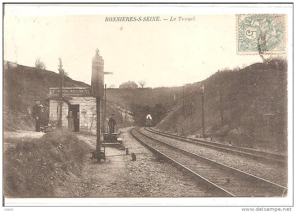 BONNIERES SUR SEINE  Le Tunnel,train Sortant - Ouvrages D'Art