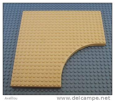 Plaque De Base 24 X 24 Avec Arrondis Rentrant Jaune Pale LEGO (6161) - Lego System