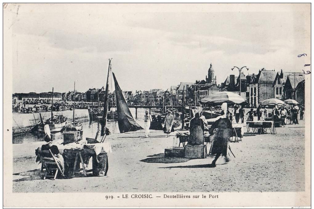 Le Croisic Dentellière Sur Le Port  Oblitéré Le Croisic Du 09/1949 - Le Croisic