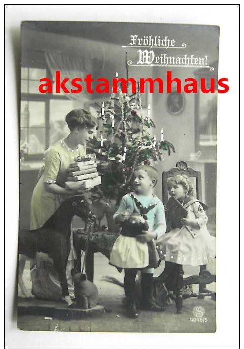 WEIHNACHTEN - Foto-AK - Kinder M. Puppe U. Holzpferd Auf Rollen - Spielzeug - Frau M. Büchern - Col. - Noël