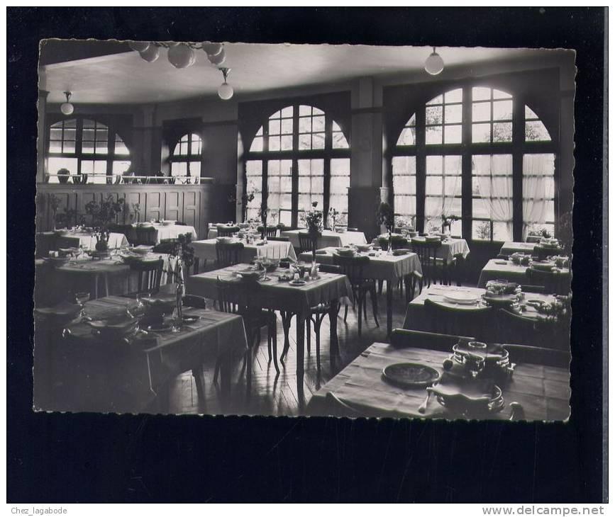 CP (12) Sainte-Geneviève - La Grande Salle à Manger De L'Hôtel Du Lac De Sarrans - Other Municipalities