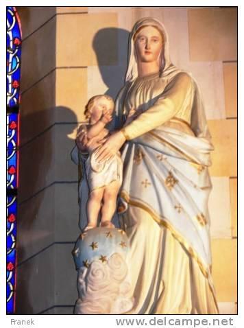 VAEpleu02 - PLEURTUIT - Statue De La Vierge à L'Enfant Dans L'église - Francia
