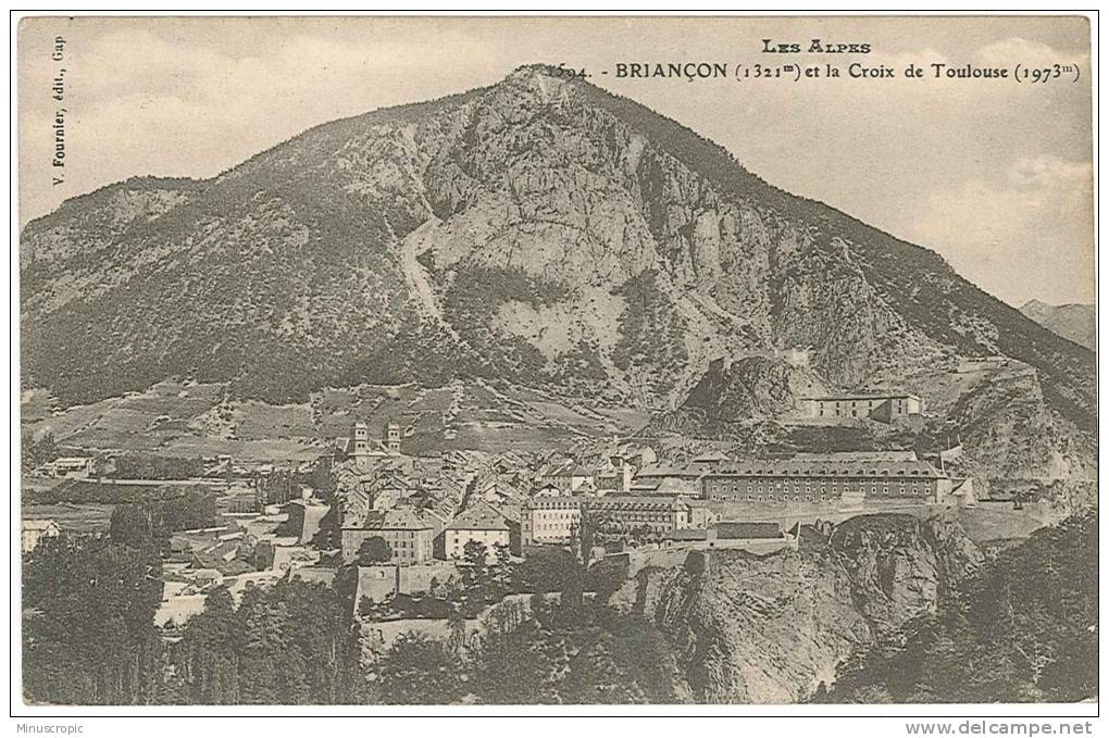 CPA 05 - Briançon - Vue Générale Et La Croix De Toulouse - Briancon