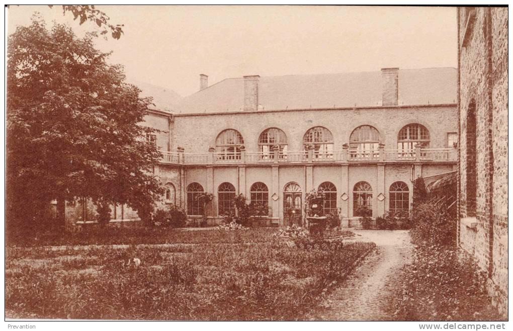 PHILIPPEVILLE - Pensionnat Des Soeurs De Notre-Dame  - Côté Ayant Vue Sur Le Jardin - Superbe Carte - Philippeville