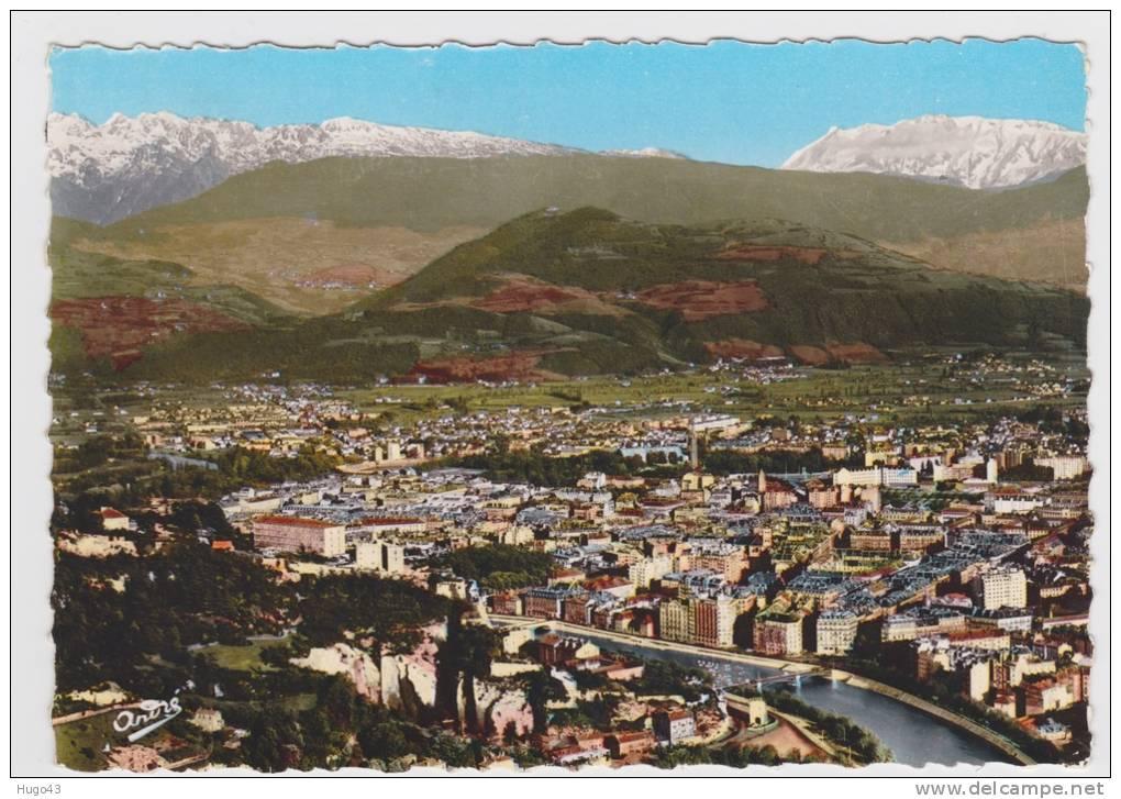 GRENOBLE - N° 963 - VUE AERIENNE SUR LE CENTRE DE LA VILLE - CARTE NON VOYAGEE - Grenoble