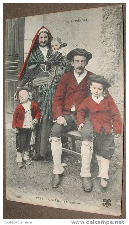 Les Pyrénées - Une Famille Ossaloise - Non Classés