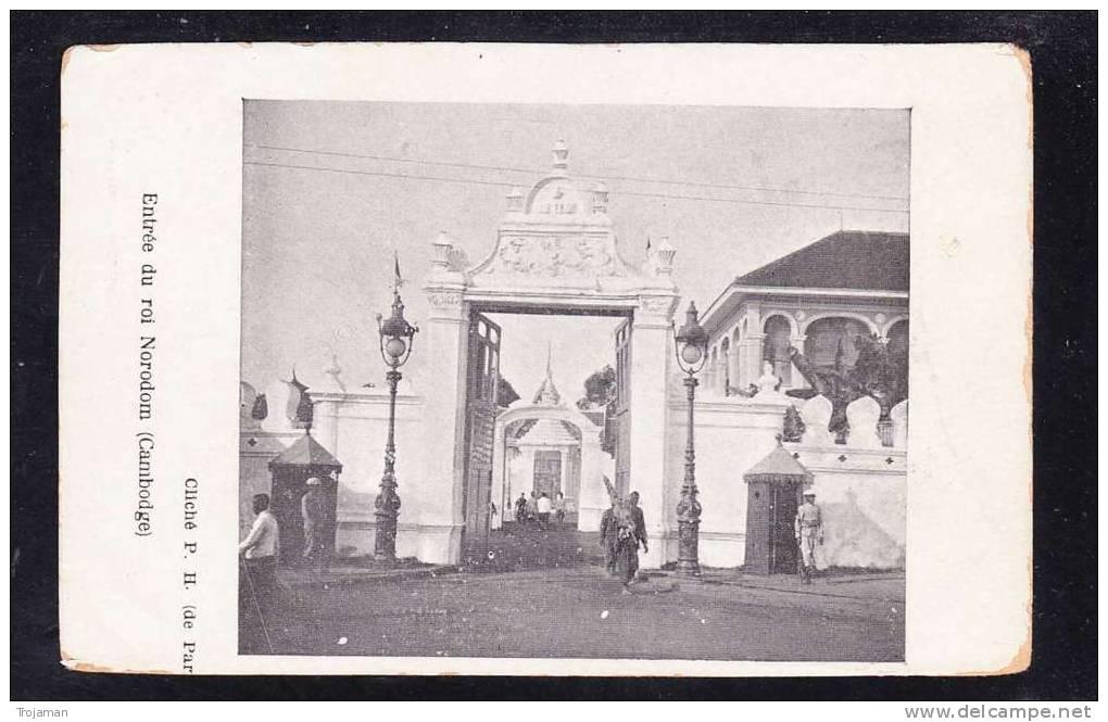 CB-01 CAMBODGE ENTRÉE DU ROI NORODOM - Cambodia