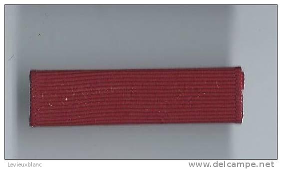 Barrette De Décoration/Origine à Identifier/ Vers 1980          BAR71 - Militari