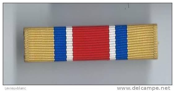 Barrette De Décoration/Origine à Identifier/ Vers 1980          BAR89 - Militaria