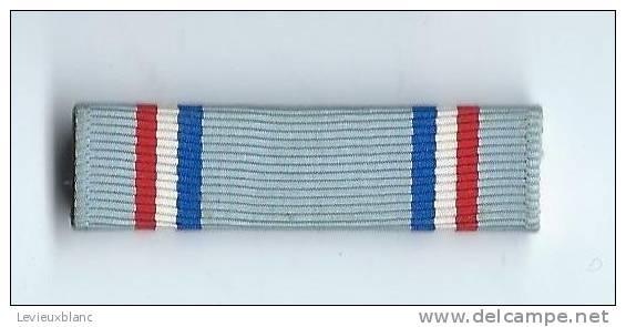 Barrette De Décoration/Origine à Identifier/ Vers 1980          BAR92 - Militari
