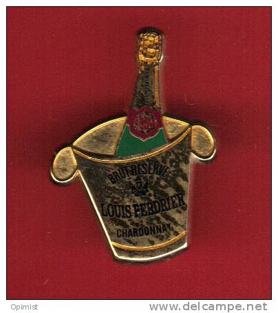 28080-pin's Champagne Louis Perdrier.Chardonnay..bois Son.alcool.signé A B Paris - Arthus Bertrand