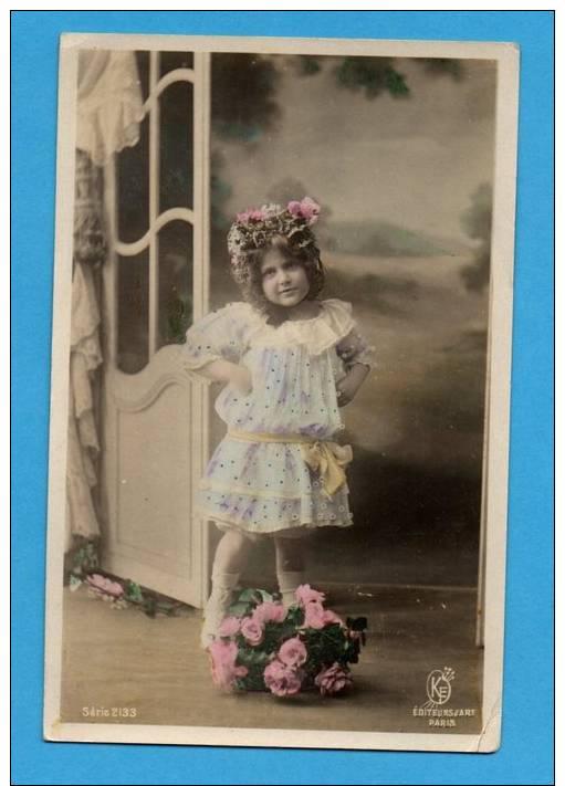 Enfant    Petite Fille  Avec Bouquet  De Fleurs - Abbildungen
