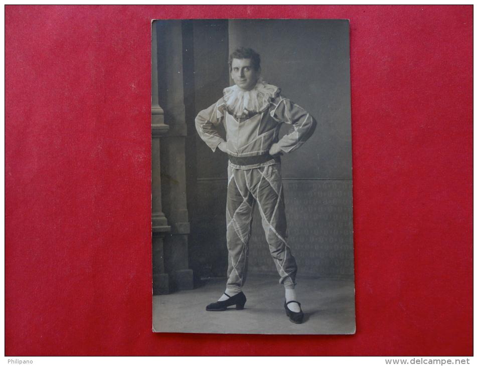 Rppc -- Man In Weird   Costume      Ref 952 - Postcards