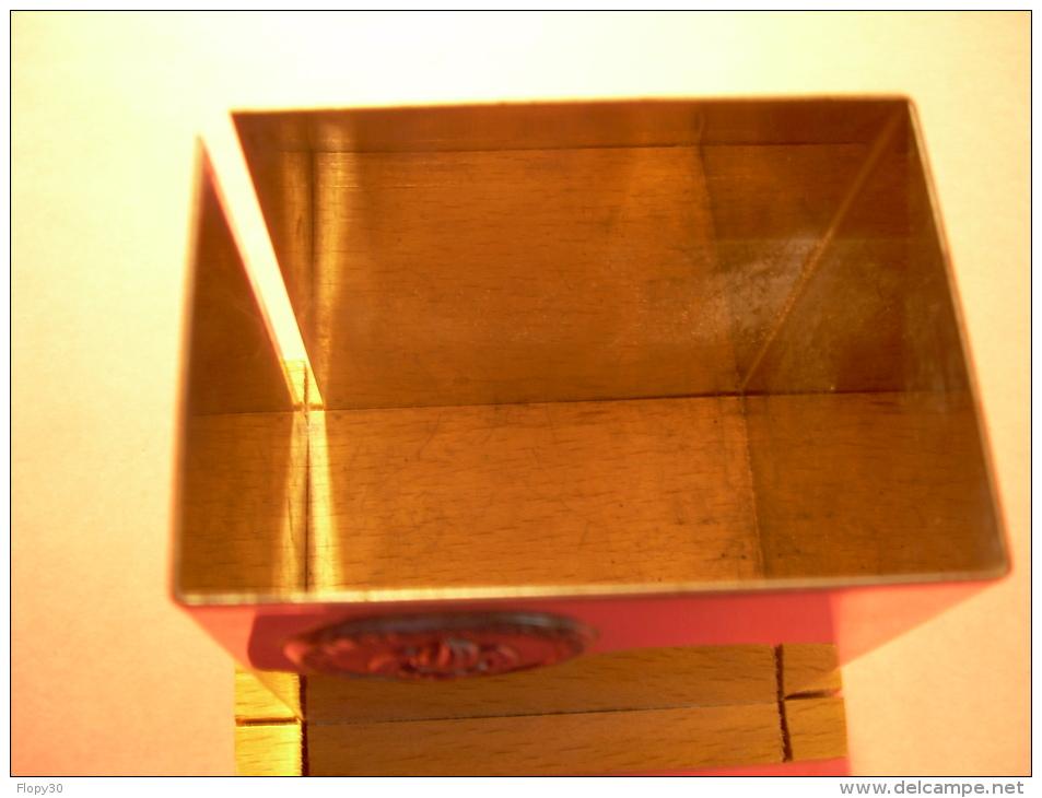 boite rangement insigne legion etrangere pour bureau. Black Bedroom Furniture Sets. Home Design Ideas