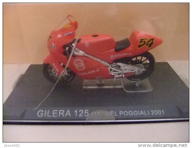 MOTO GILERA 125 MANUEL POGGIALI 2001 - Motos