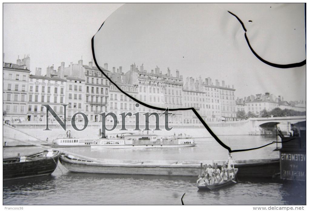 """Lyon 1901 Pont De La Guillotière - Manoeuvre Militaire Sur Bateaux - Fête Fleuve Foule """" L'amicale """" RARE PHOTO - Plaques De Verre"""