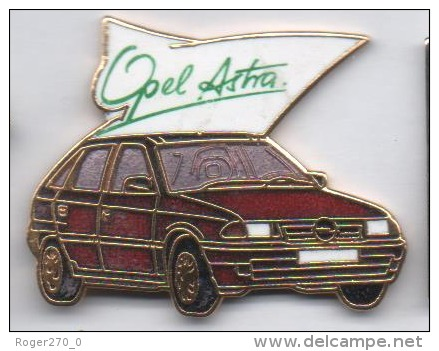 Superbe Pin´s En EGF , Auto Opel Astra - Opel