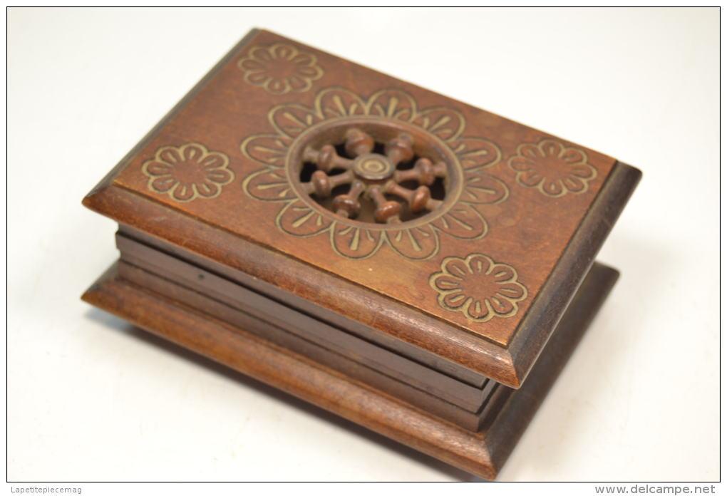 ancienne petite boite coffret a bijoux en bois style breton bretagne. Black Bedroom Furniture Sets. Home Design Ideas