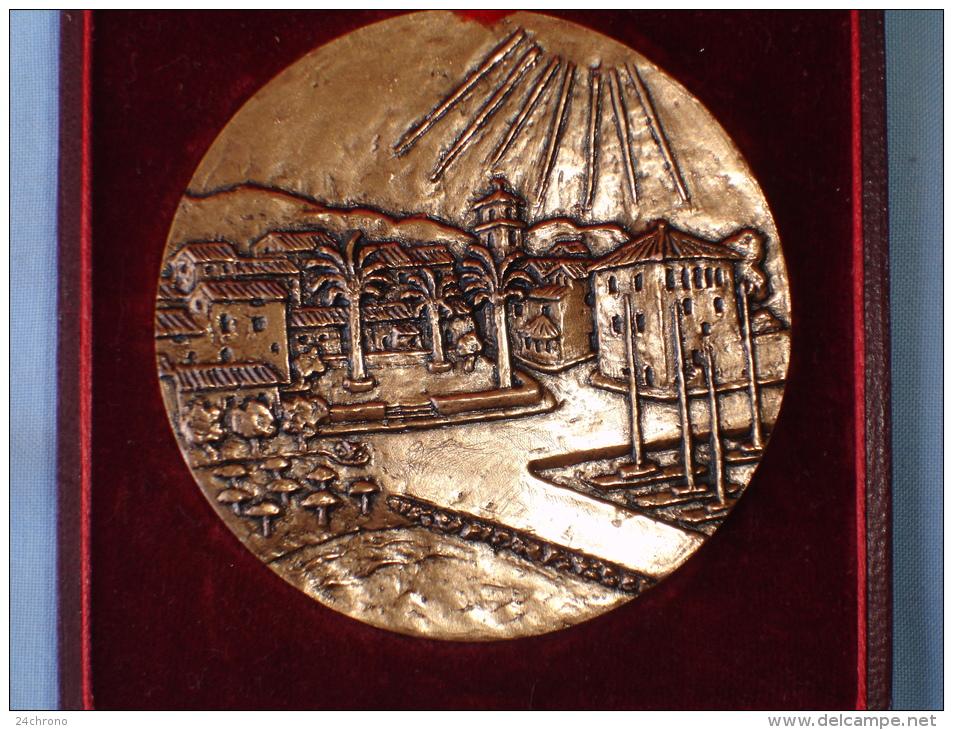Belle Medaille: Sainte Maxime, Voile, Tete De Femme, Graveur R. Couvegnes (13-2464) - Touristiques