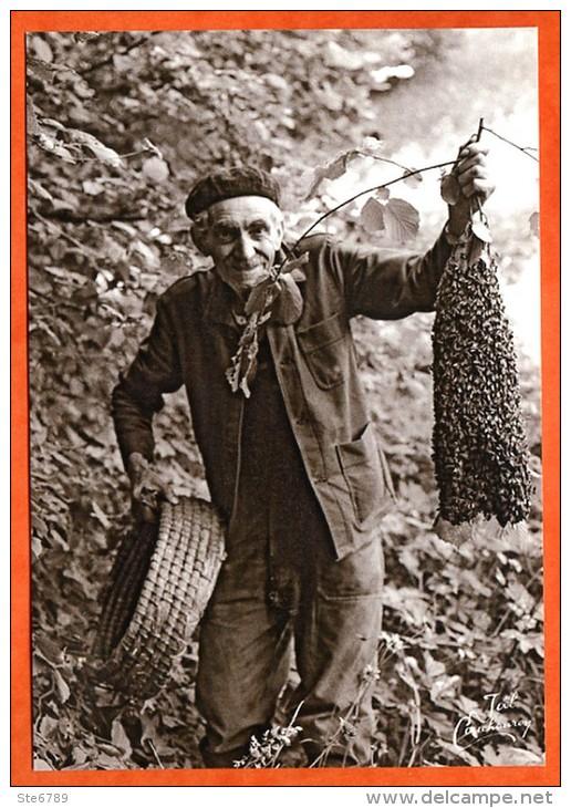 88 Vosges Vieux Métiers N° 82 Apiculteur Et Essaim Abeilles - Artisanat