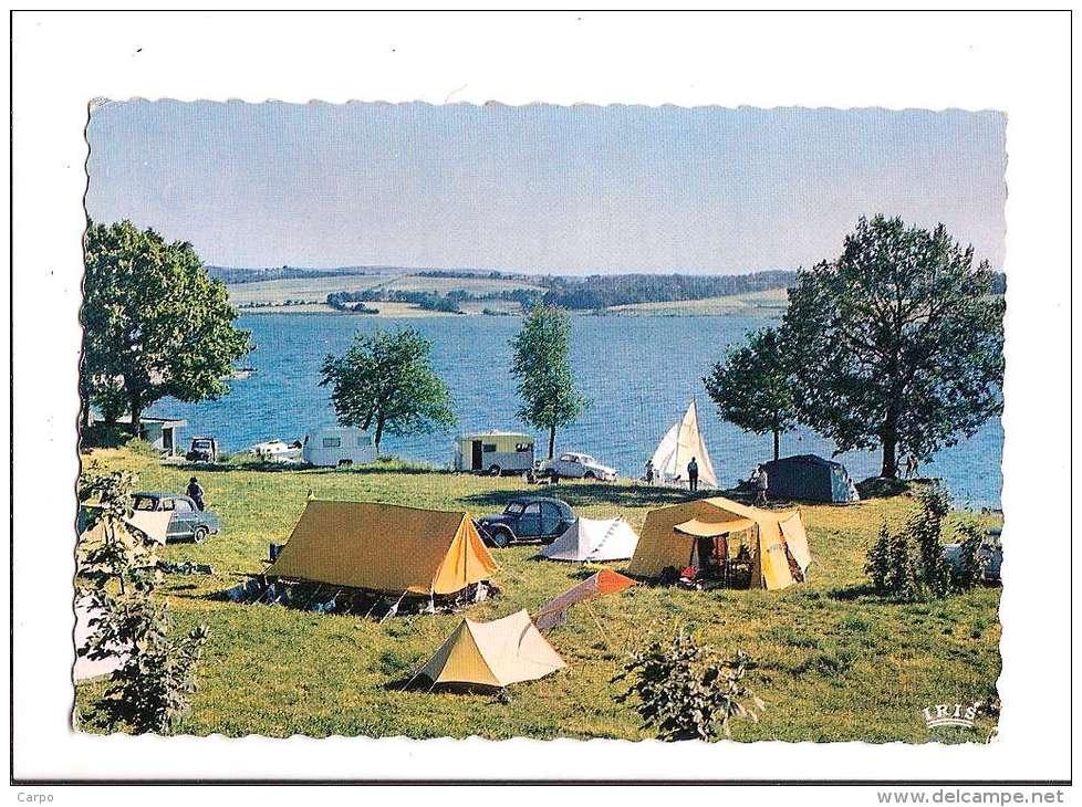 Le Lac De Pareloup. Camping Du Yachting. - France