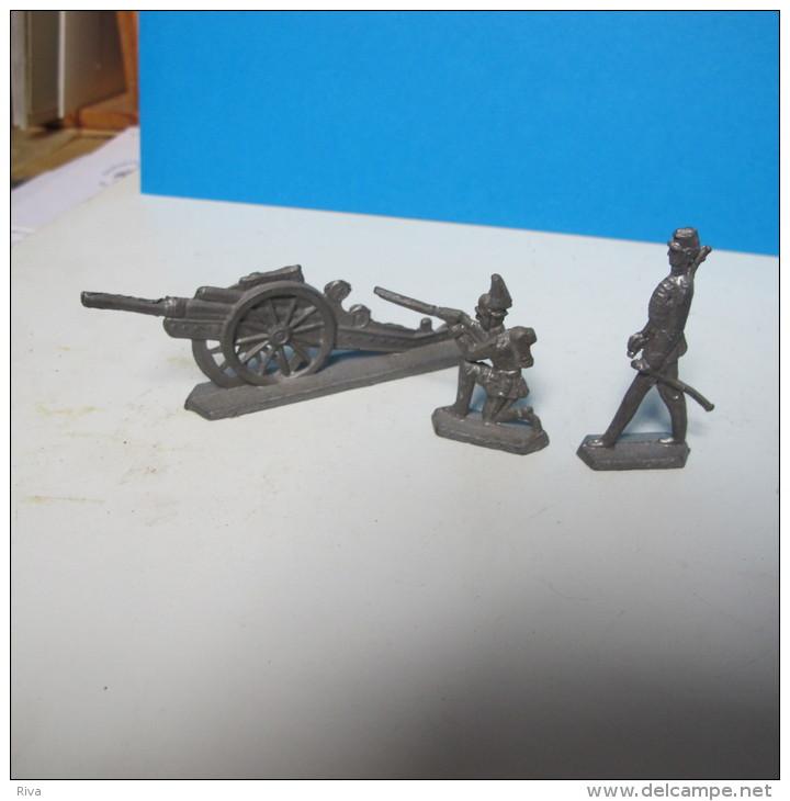 Soldats + Canon En Plomb. - Militaires