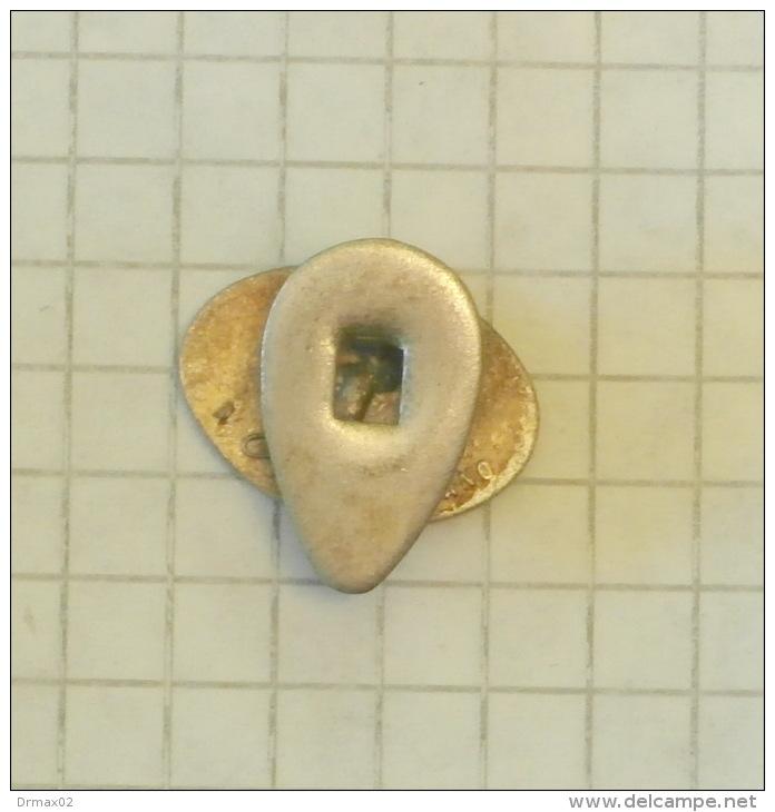 OM - Officine Meccaniche (Milano Italy) (buttonhole) Button / Vieux VOITURE AUTO CAR AUTO Lastwagen CAMION TRUCK LKW - Badges